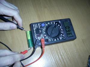 проверка заряда батарейки
