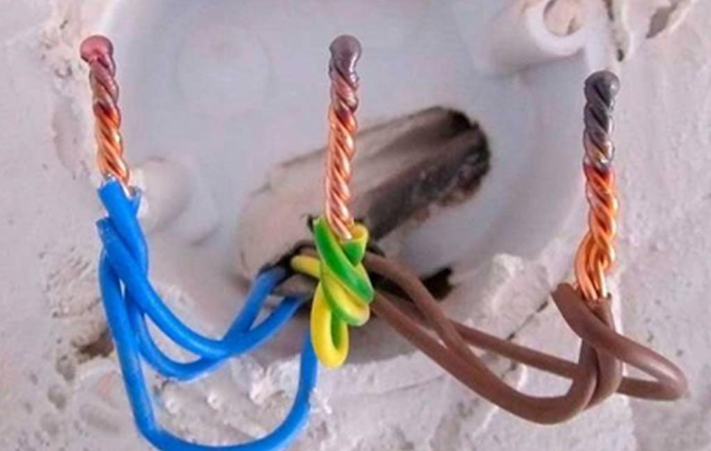 Как правильно скрутить провода